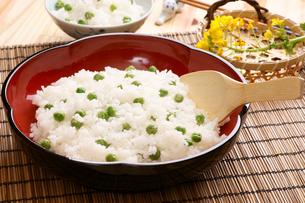 えんどうの豆ご飯の写真素材 [FYI00156112]