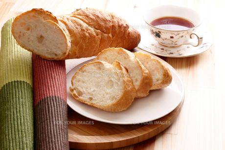 フランスパンの写真素材 [FYI00156142]