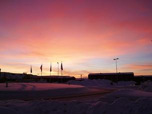 北欧 スウェーデン キールナの街の夕景の素材 [FYI00156195]
