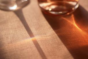 グラスの影の写真素材 [FYI00156493]