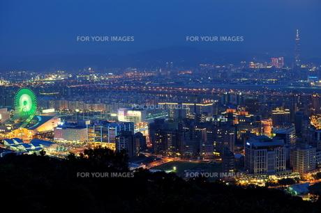 台北の夜景の写真素材 [FYI00164293]