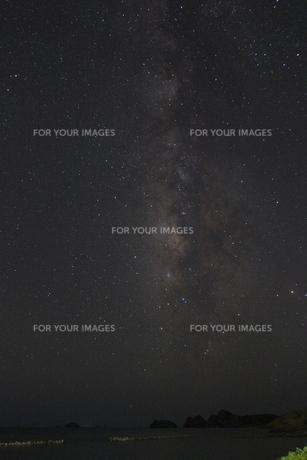 阿嘉島の天の川の写真素材 [FYI00164518]