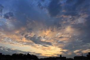 7月最初の朝焼けの写真素材 [FYI00164610]