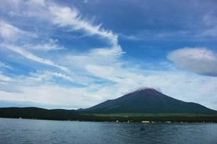富士山と釣り人の写真素材 [FYI00164631]