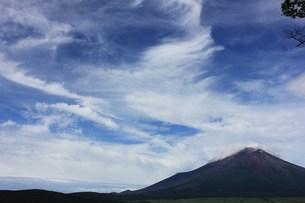 空と雲と富士山の写真素材 [FYI00164634]