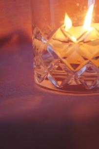 ろうそくの灯の写真素材 [FYI00164783]