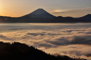 霧雲海と幻日富士の素材 [FYI00164827]