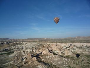 カッパドキアと気球と影の写真素材 [FYI00165082]