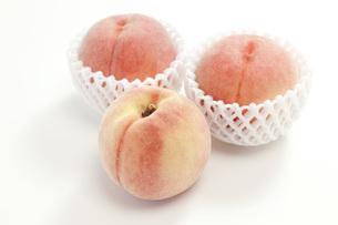 果物・桃の写真素材 [FYI00165298]