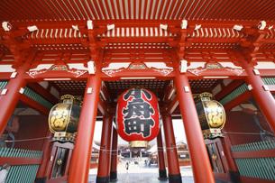 浅草・浅草寺宝蔵門の写真素材 [FYI00165705]
