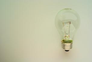 裸電球の写真素材 [FYI00168373]