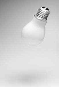電球 浮遊の写真素材 [FYI00168383]