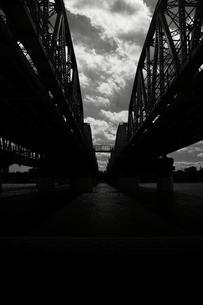 川と鉄橋の写真素材 [FYI00168409]
