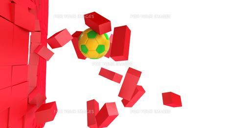 ブロックを突き破るサッカーボールの写真素材 [FYI00168478]