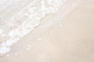 砂浜と波の素材 [FYI00168504]