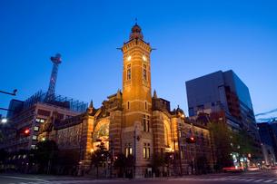 横浜開港記念館の夜景の写真素材 [FYI00168638]