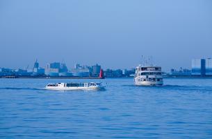 横浜港と船の写真素材 [FYI00168669]