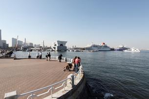 山下公園と横浜港の写真素材 [FYI00168673]