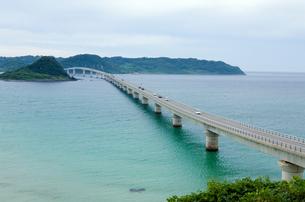 海にのびる橋の写真素材 [FYI00168715]