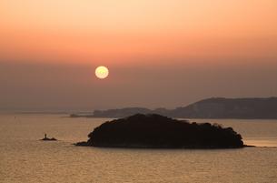 三河湾の夕日の写真素材 [FYI00168742]