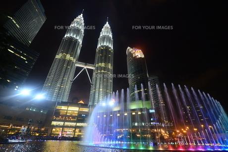 クアラルンプール(マレーシア)のペトロナスタワーの写真素材 [FYI00168867]
