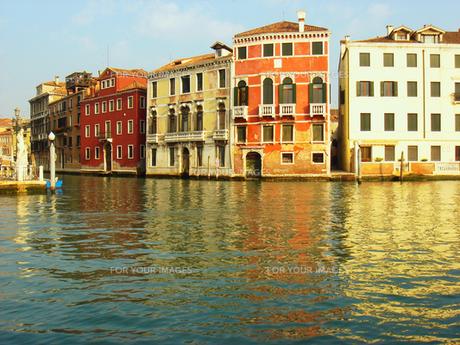 ヴェネツィアの運河の素材 [FYI00169467]