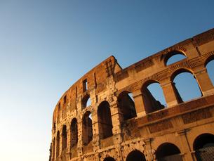 コロッセオと青空の写真素材 [FYI00169500]