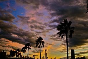 夜と夕の間の写真素材 [FYI00170761]
