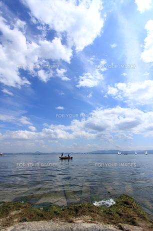 空と湖の写真素材 [FYI00171097]