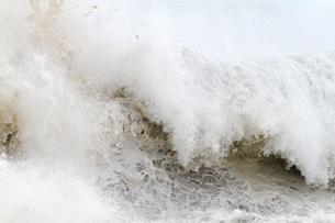 迫る荒波の写真素材 [FYI00171182]