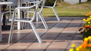 テーブルと椅子の写真素材 [FYI00171356]