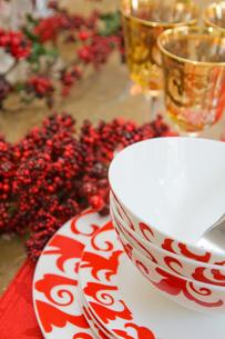 クリスマスの食卓準備の写真素材 [FYI00172234]