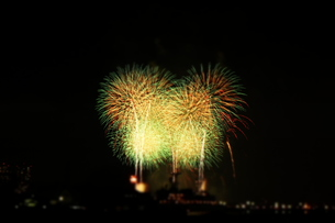 花火大会にての写真素材 [FYI00172352]