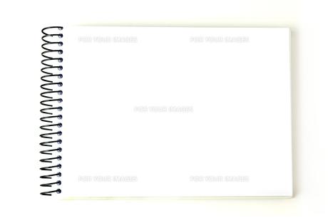 白いノートブックの写真素材 [FYI00173090]