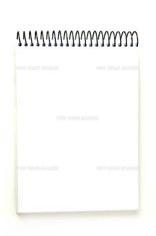 白いノートブックの写真素材 [FYI00173093]