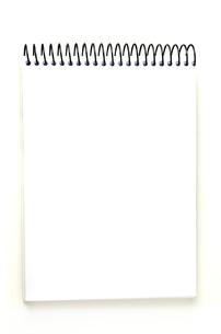 白いノートブックの素材 [FYI00173093]