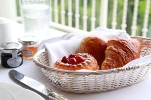 とある朝食の風景の写真素材 [FYI00174043]