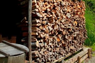 薪の写真素材 [FYI00174302]