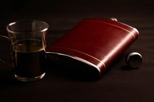 ウイスキーで乾杯の写真素材 [FYI00174856]