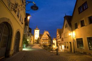 Rothenburg ローテンブルク プレーンラインの夕暮れの写真素材 [FYI00175332]