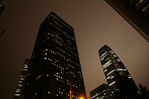 西新宿の夜の写真素材 [FYI00175547]