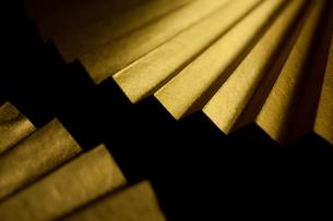 金色の末広扇子の写真素材 [FYI00175573]