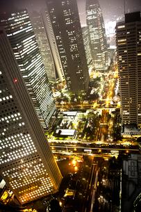 夜の西新宿の写真素材 [FYI00175618]