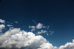 夏の雲の写真素材 [FYI00175670]