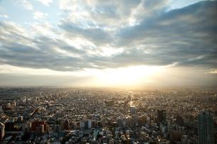 夕陽に浴びた東京の写真素材 [FYI00175686]