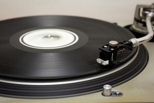 レコードとターンテーブルの写真素材 [FYI00175688]
