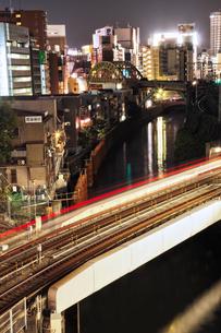 御茶ノ水周辺の神田川の写真素材 [FYI00175816]