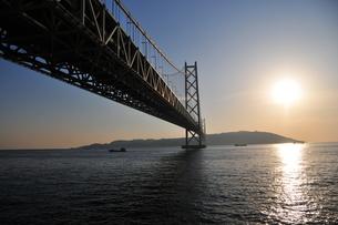 明石海峡(明石海峡大橋)の写真素材 [FYI00175913]