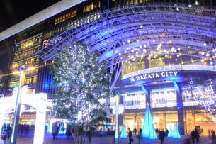 JR博多シティのイルミネーション夜景の写真素材 [FYI00176026]