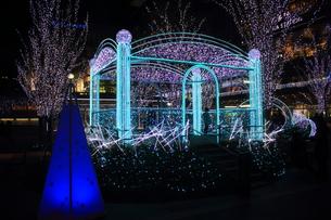 JR博多シティのイルミネーション夜景の写真素材 [FYI00176034]